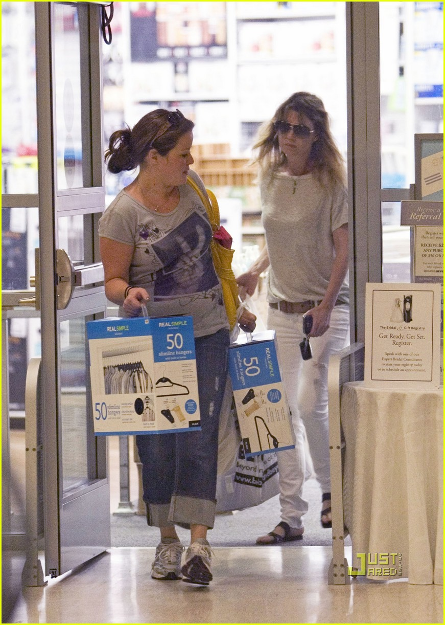 ellen pompeo bed bath beyond 05