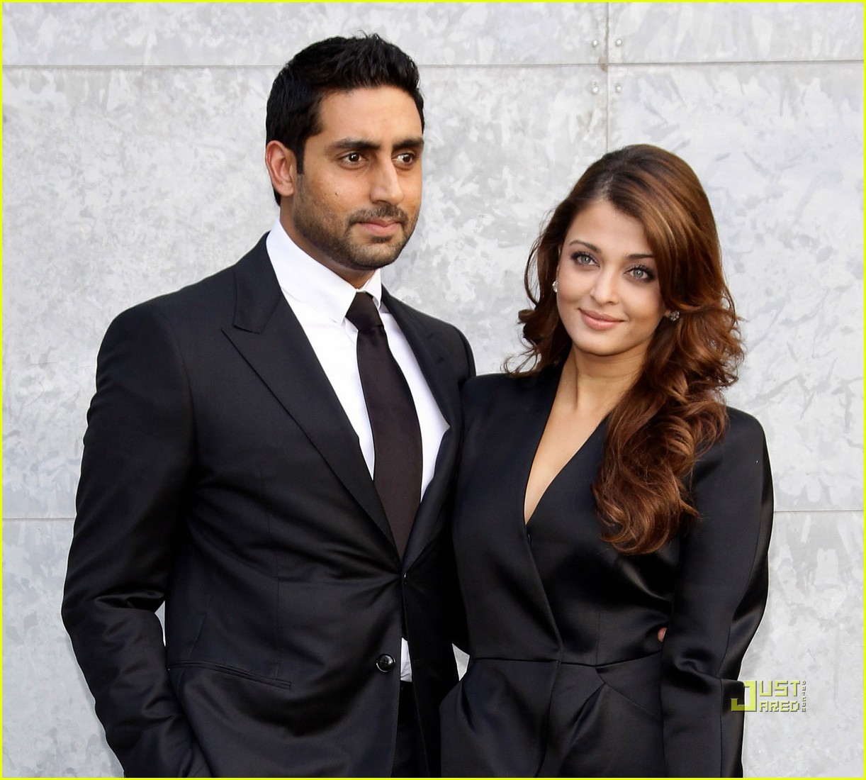 Aishwarya Rai Bachchan with mysterious, Husband Abhishek Bachchan