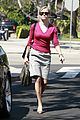 reese witherspoon errands santa monica 06