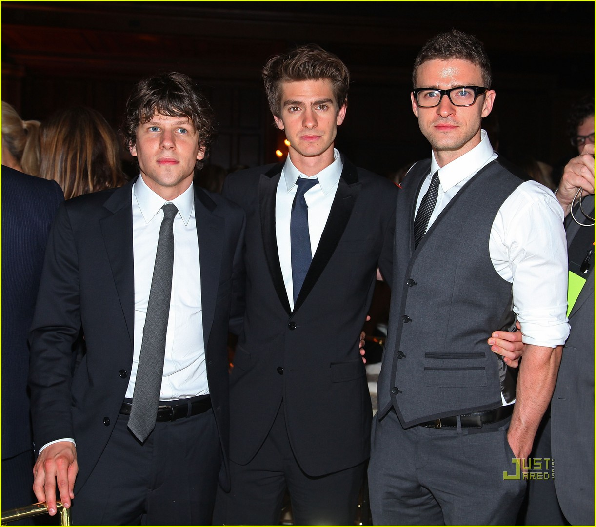 social network premiere 05