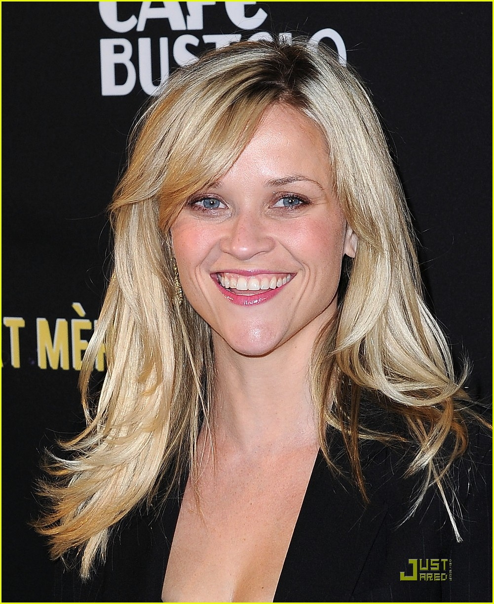 reese witherspoon livestrong foundation 08