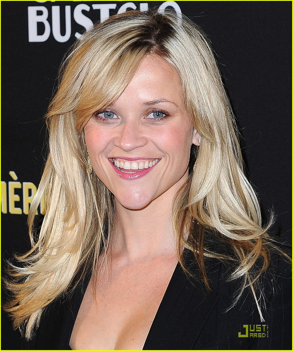 reese witherspoon livestrong foundation 09