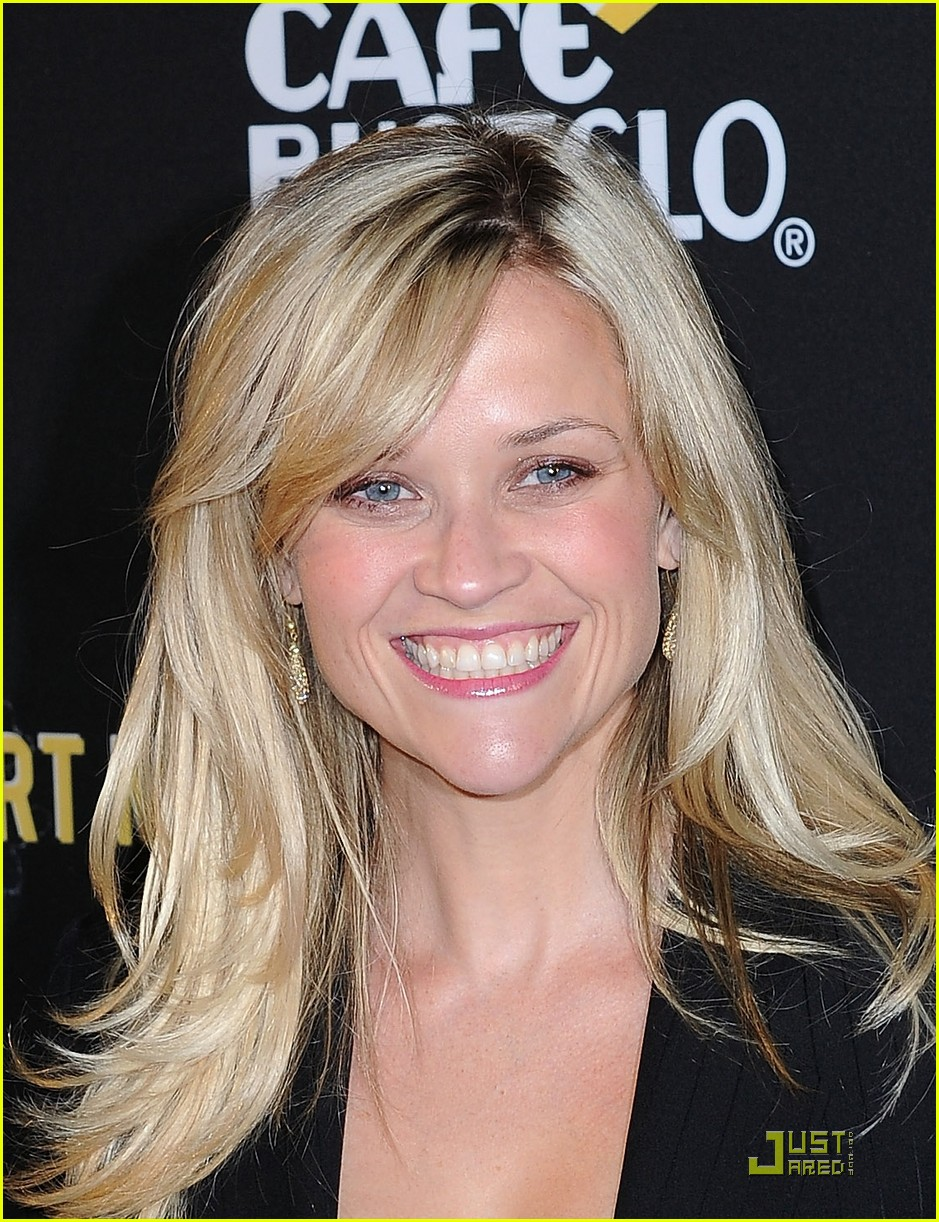 reese witherspoon livestrong foundation 14