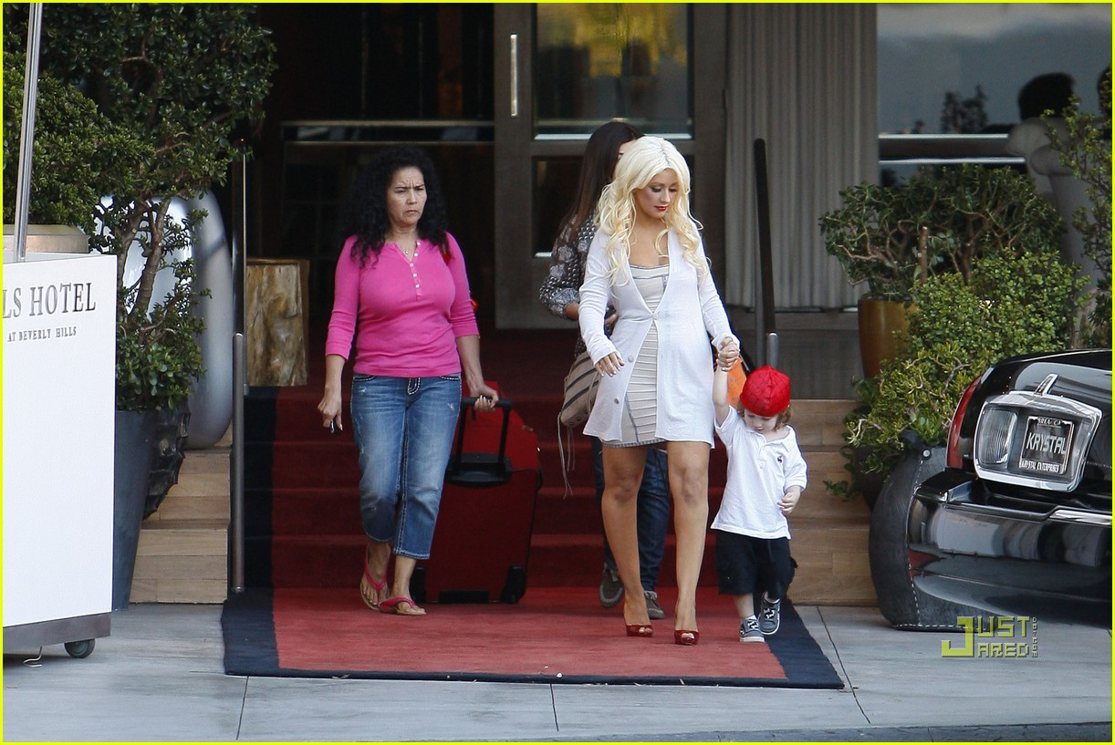 christina aguilera sls move out with max 07