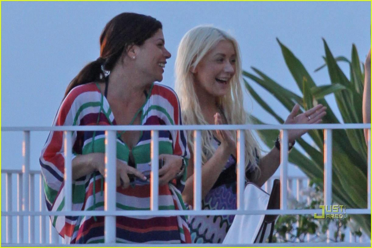 christina aguilera smiling at sunset 052488221