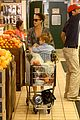jessica alba cash warren family food shoppers 03
