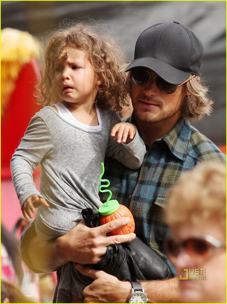 gabriel aubry pumpkin patch papa with nahla 05