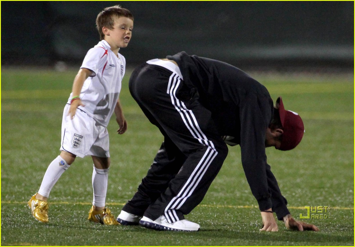 david beckham boys soccer game 122486240