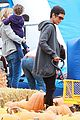 halle berry nahla pumpkin patch 07