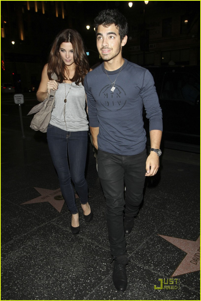 ashley greene joe jonas date night 02