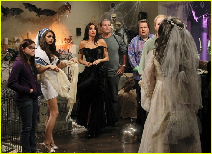 modern family halloween episode 10
