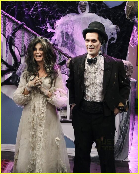 Modern family halloween episode stills photo 2485631 eric