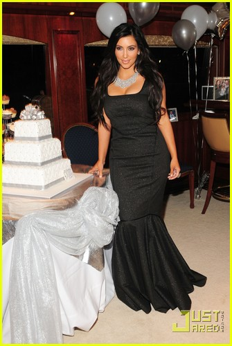 kanye west kim kardashian birthday boy 102489366