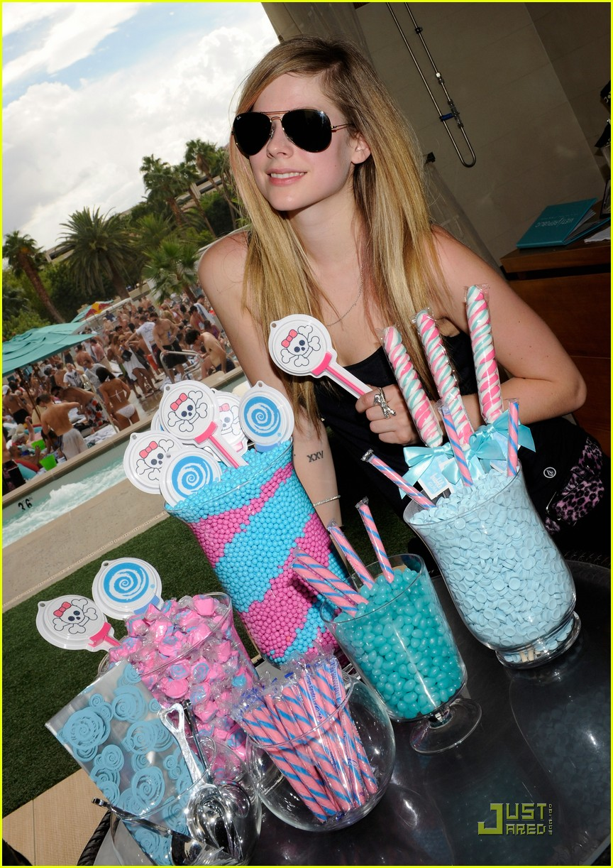 avril lavigne birthday 15
