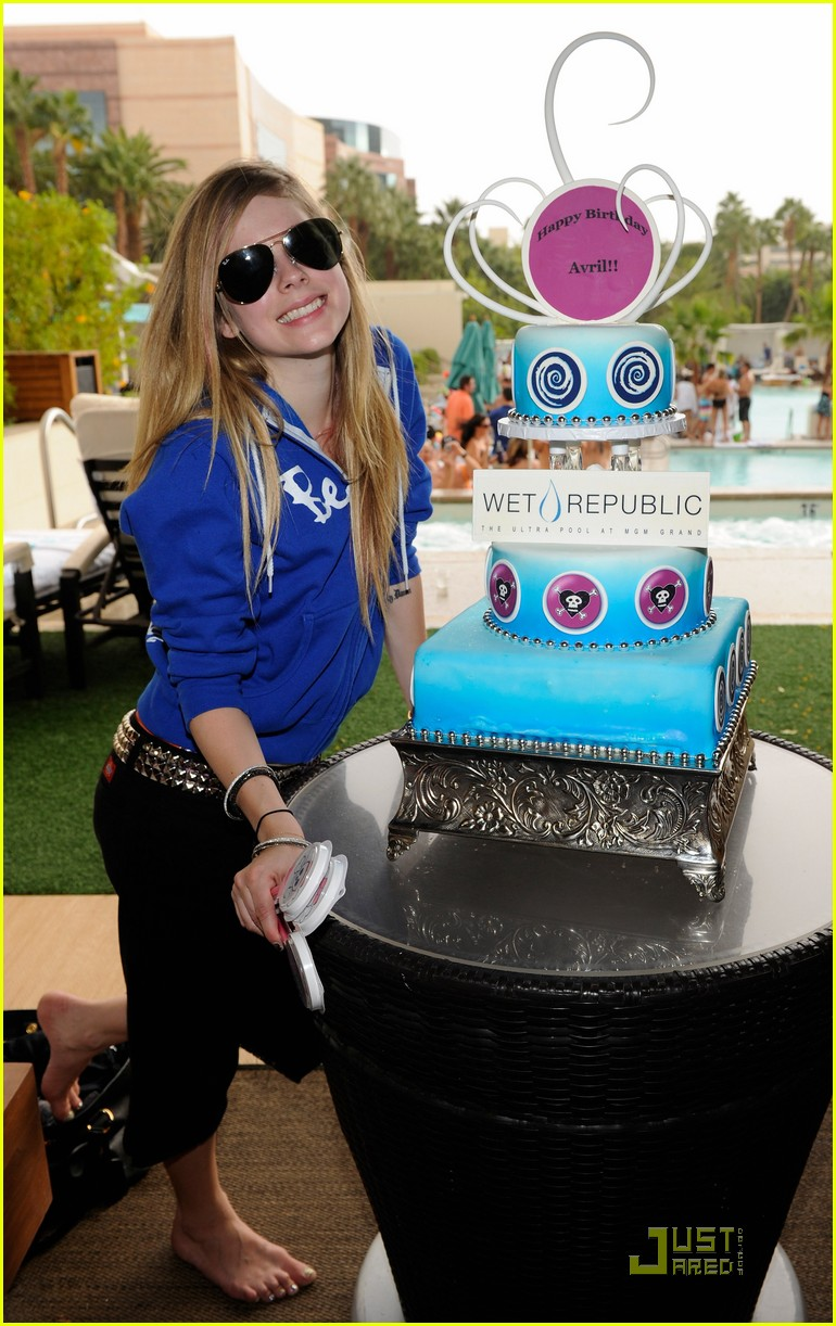 avril lavigne birthday 19