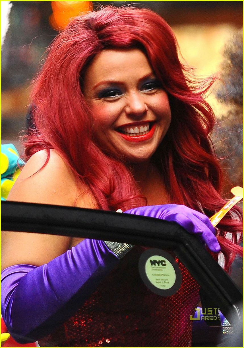 Rachael Ray dresses up as the super sexy fictional character Jessica Rabbit ...