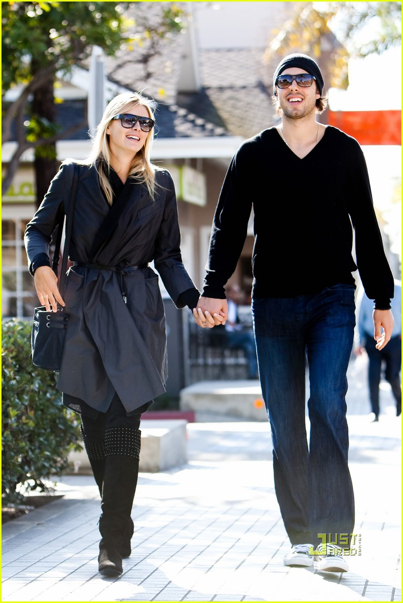 maria sharapova sasha vujacic errands 07