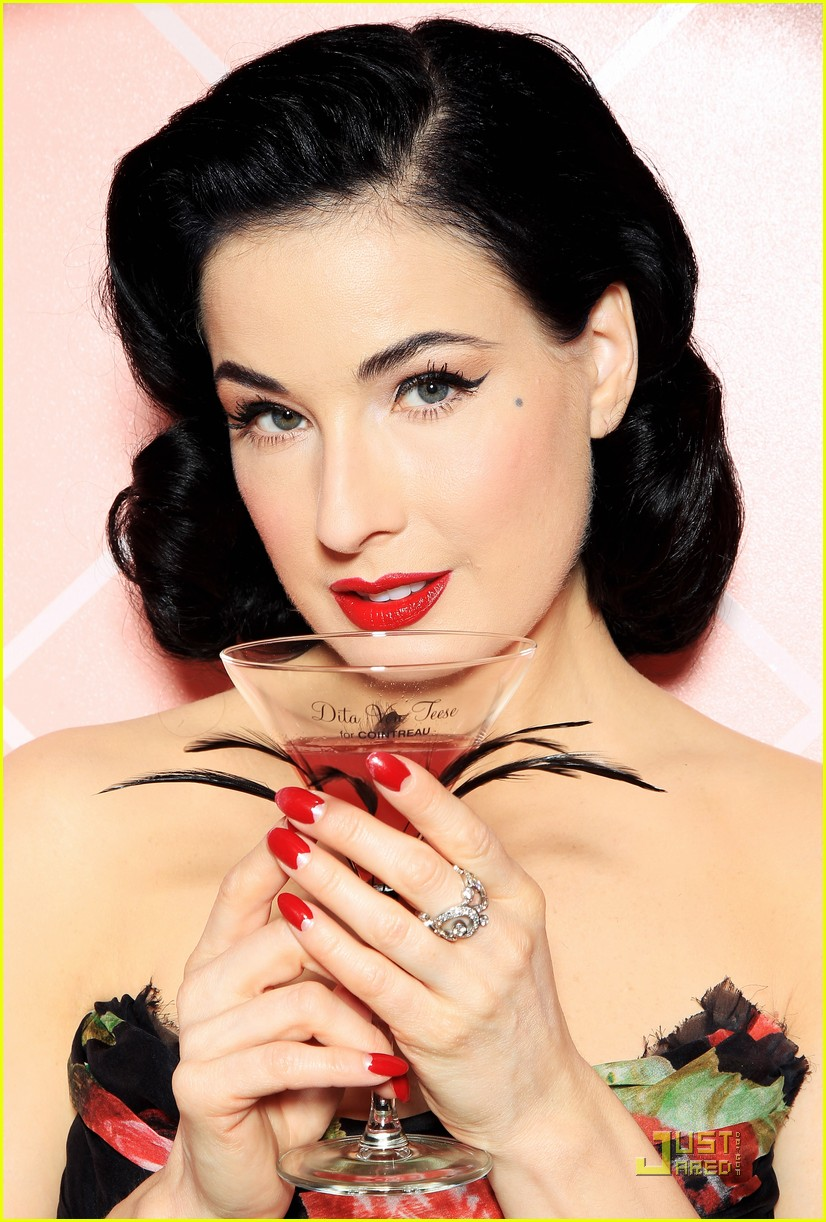 dita von teese gets private cointreau 01