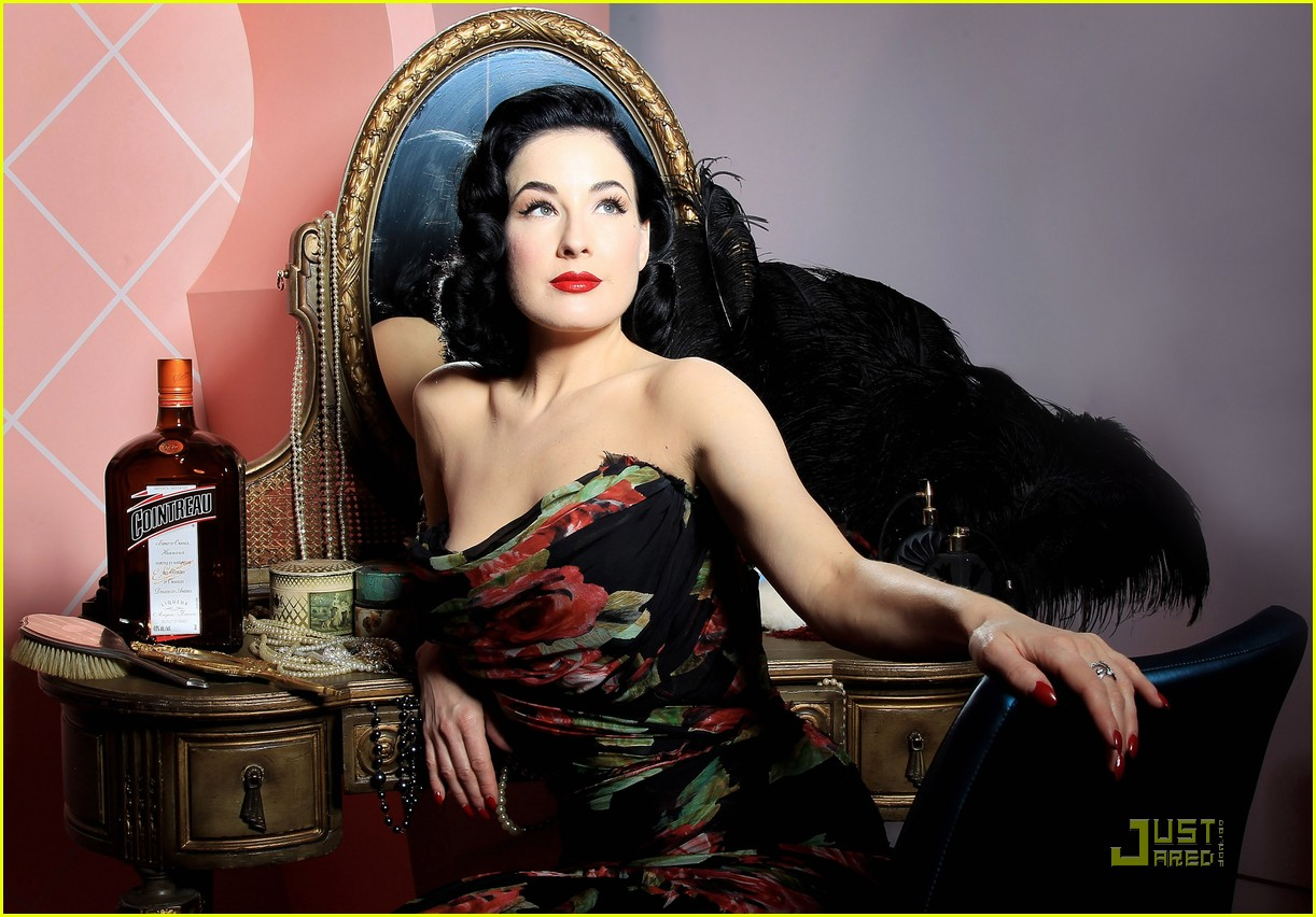 dita von teese gets private cointreau 03