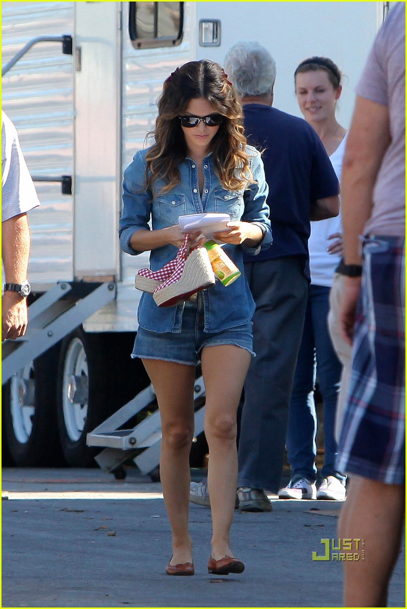 Full Sized Photo of rachel bilson two outfits bff baby 07 | Photo 2492811 | Just Jared