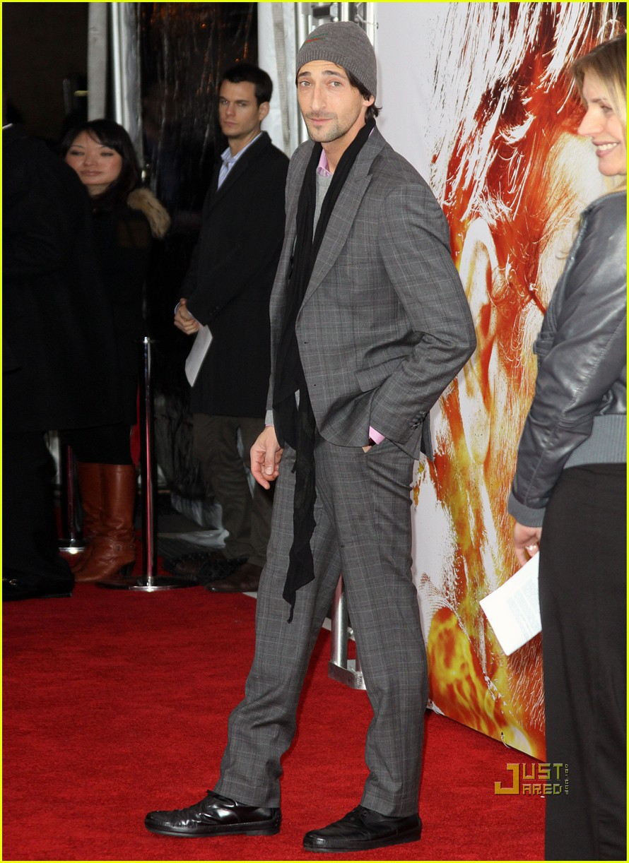 gerard butler next three days premiere 14