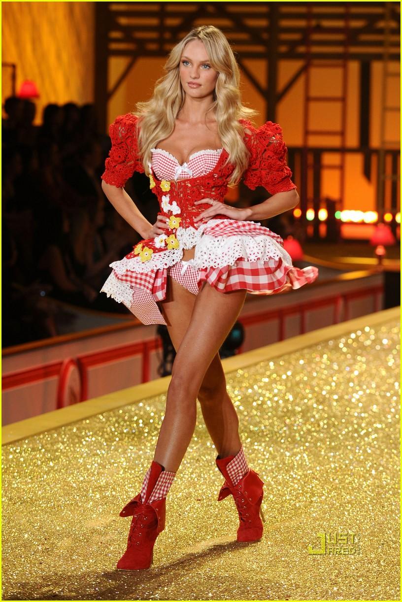 chanel iman lily aldridge candice swanepoel victorias secret fashion show 15