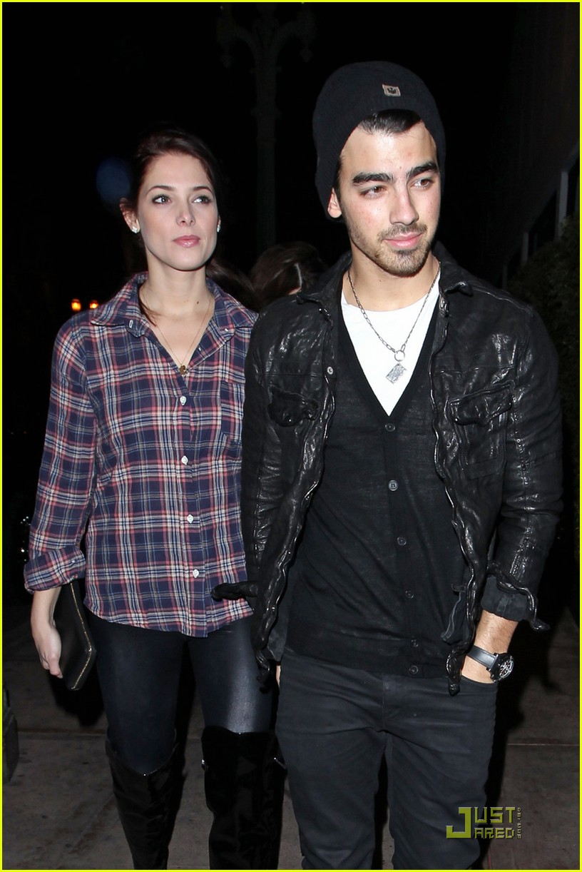 joe jonas ashley greene hollywood 16