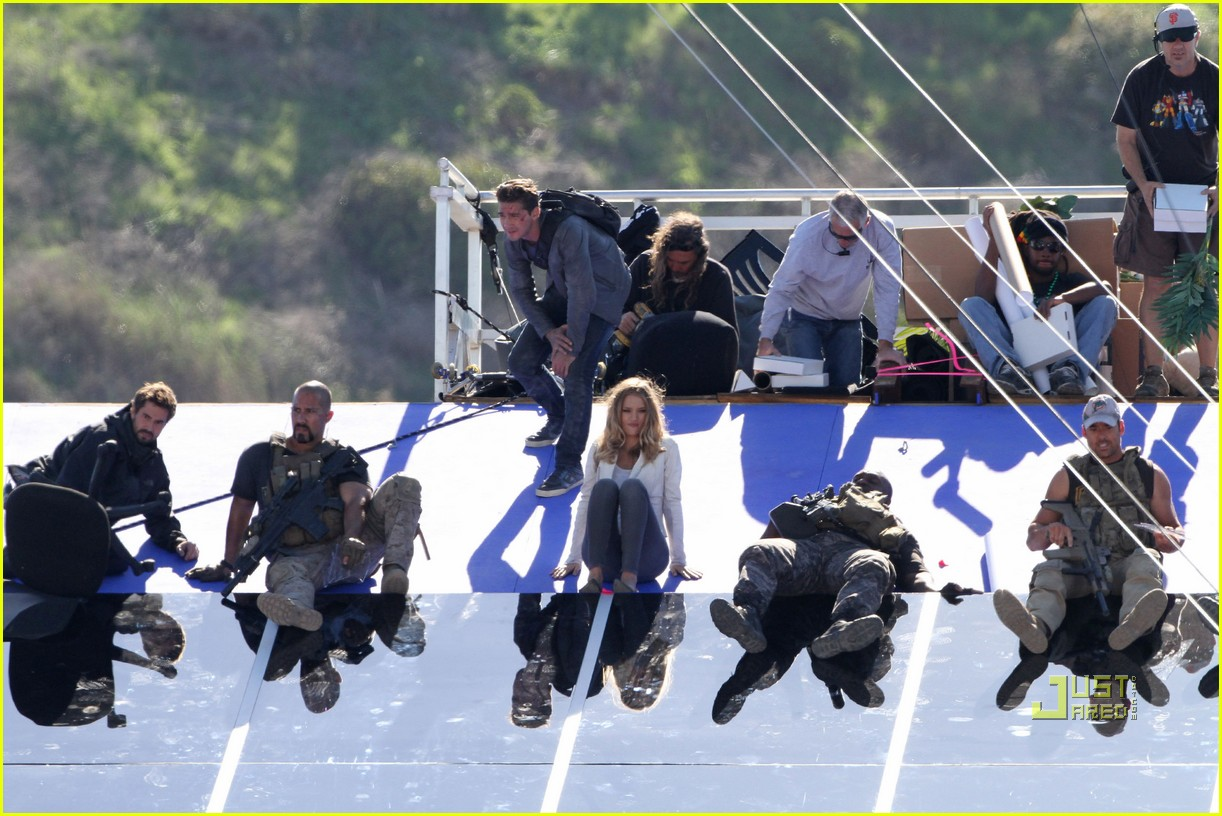 Full Sized Photo of shia labeouf rosie huntington whiteley roof ... Rosie Huntington Whiteley