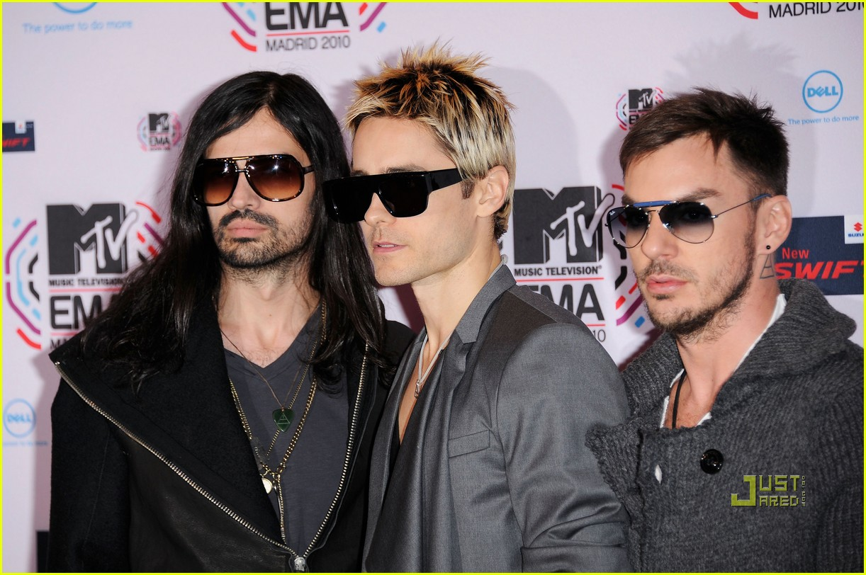 jared leto 30 seconds to mars 2010 mtv emas red carpet 012493477