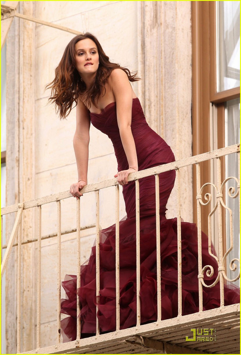 leighton meester shoots vera wang fragrance commercial 06