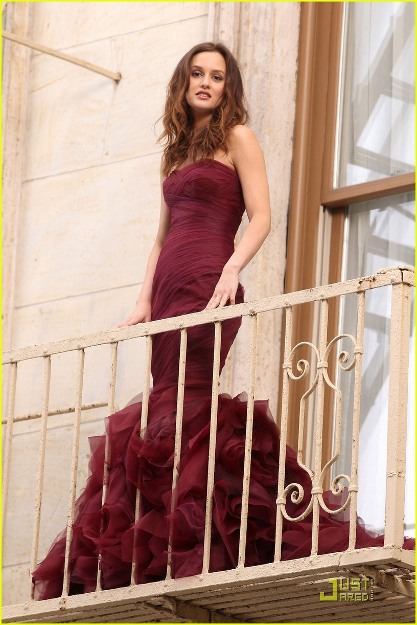 leighton meester shoots vera wang fragrance commercial 08