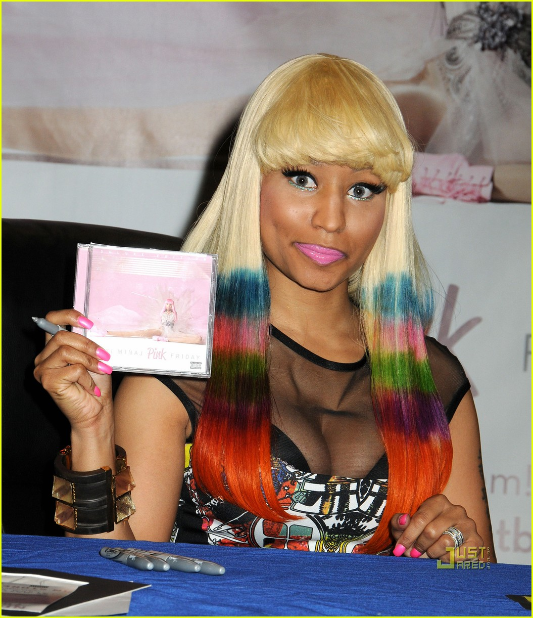 nicki minaj rainbow hair at album signing 04