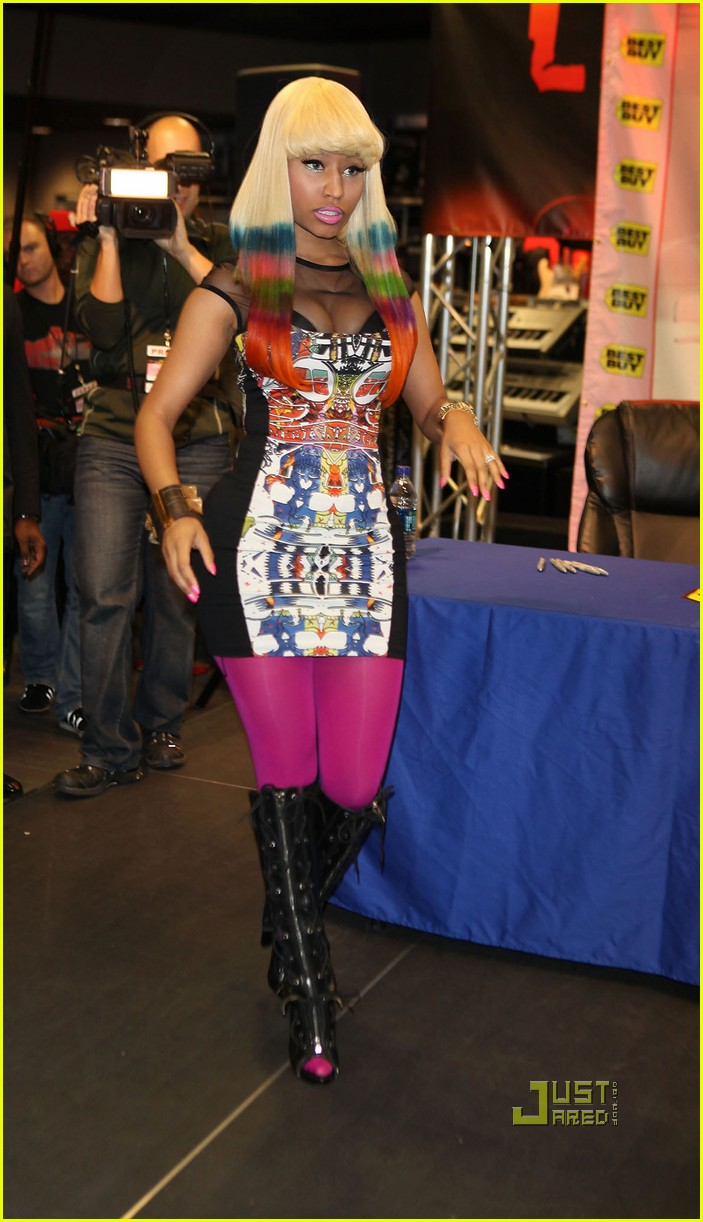 nicki minaj rainbow hair at album signing 12