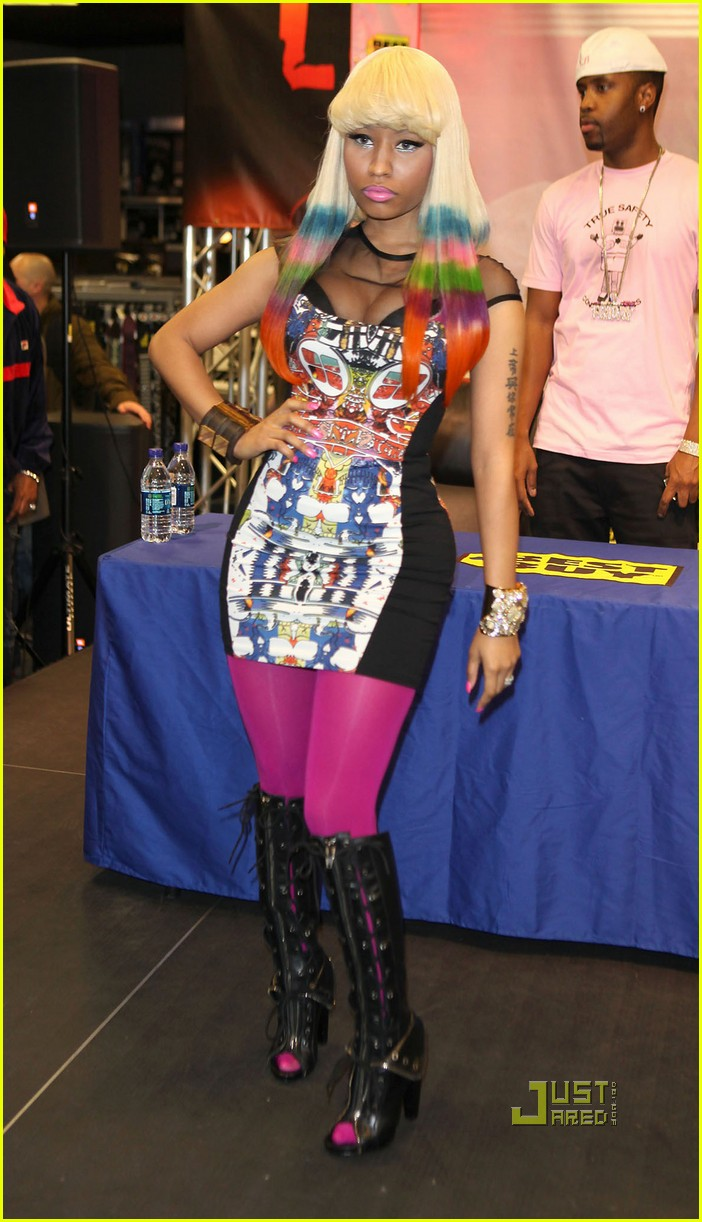 nicki minaj rainbow hair at album signing 13