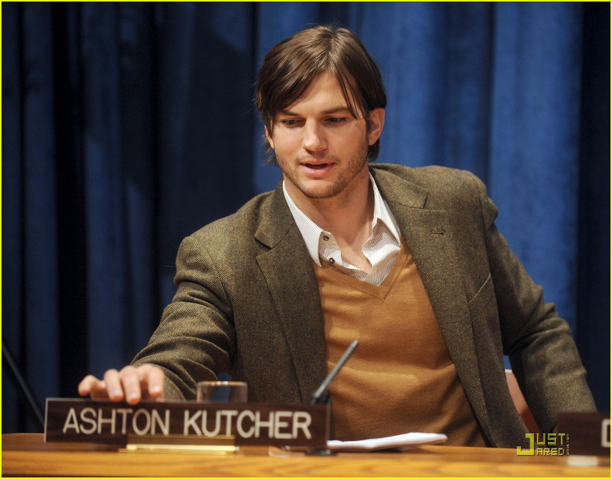 demi moore ashton kutcher fight human trafficking 01