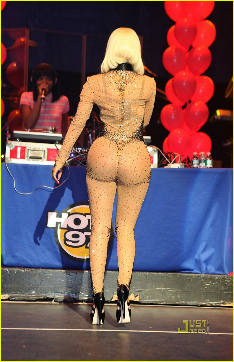 nicki minaj two faced suit 11