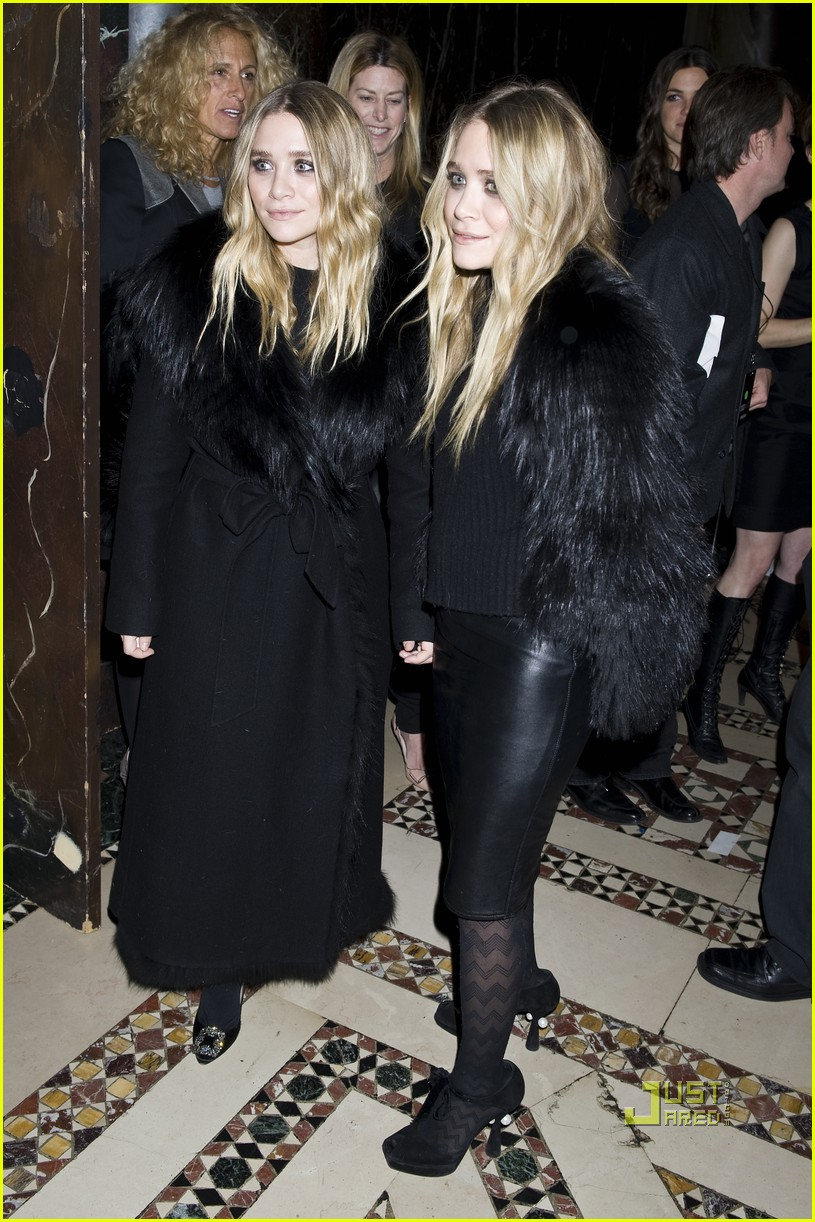 mary kate ashley olsen womens wear daily gala 15