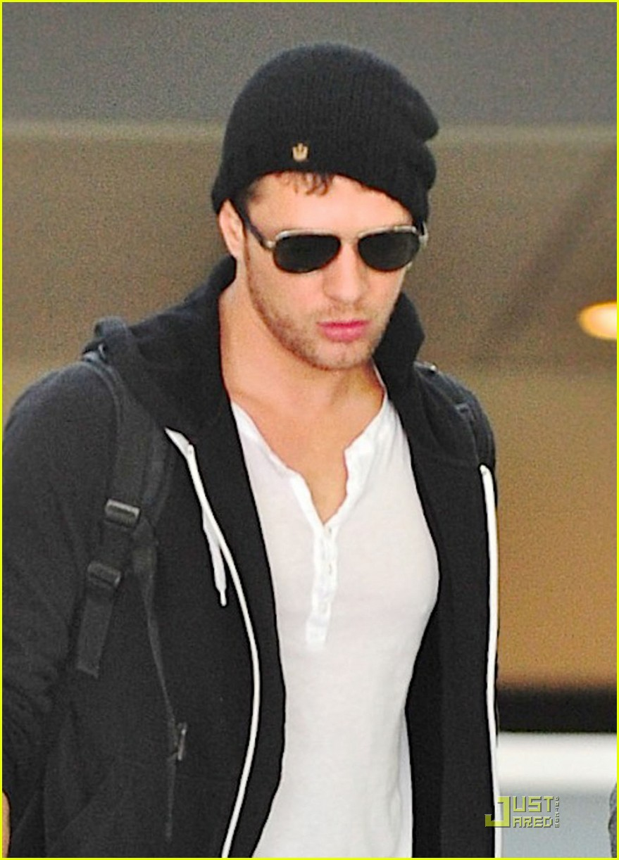 Full Sized Photo of ry... Ryan Phillippe