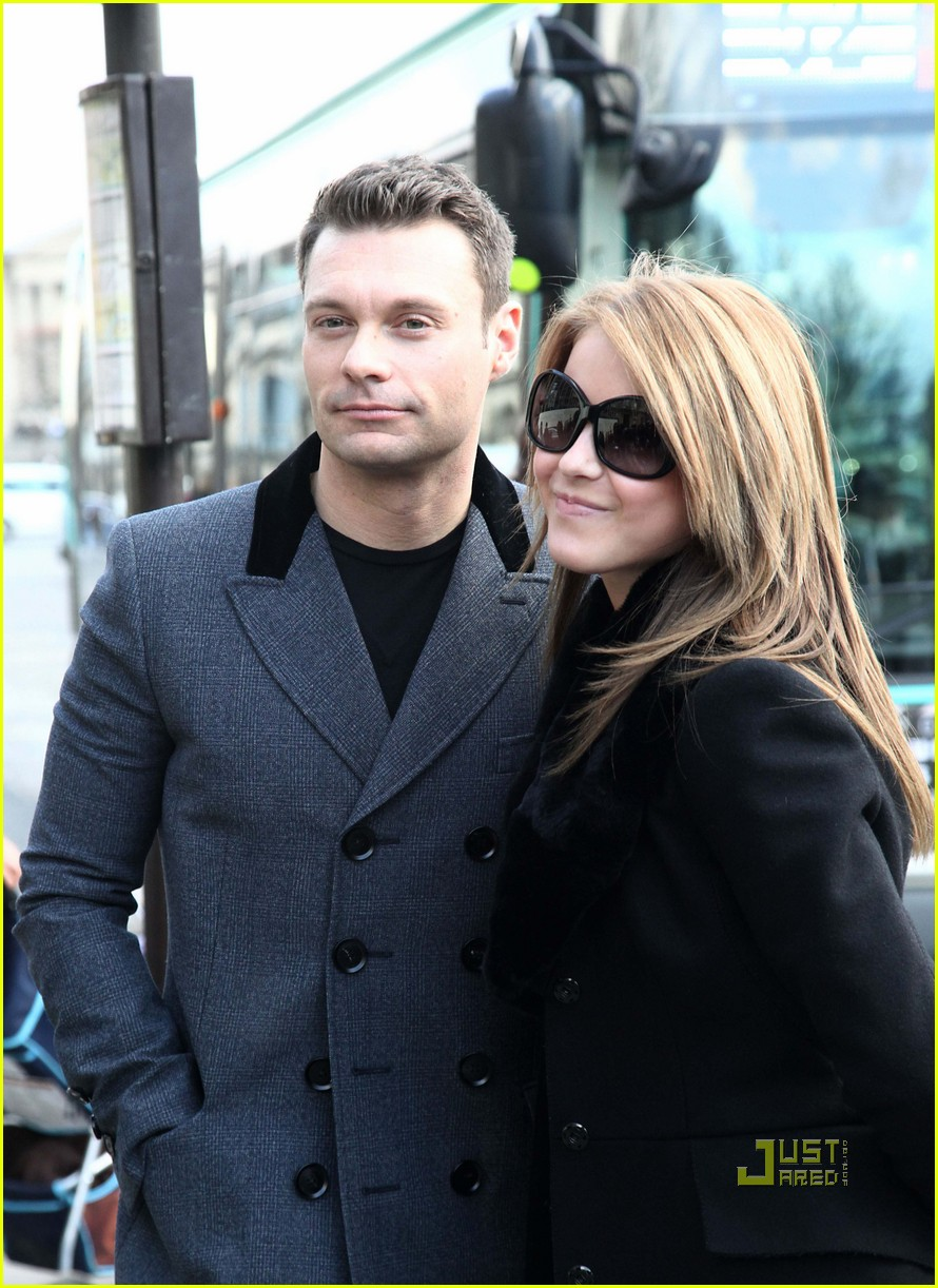 ryan seacrest julianne hough black friday 11