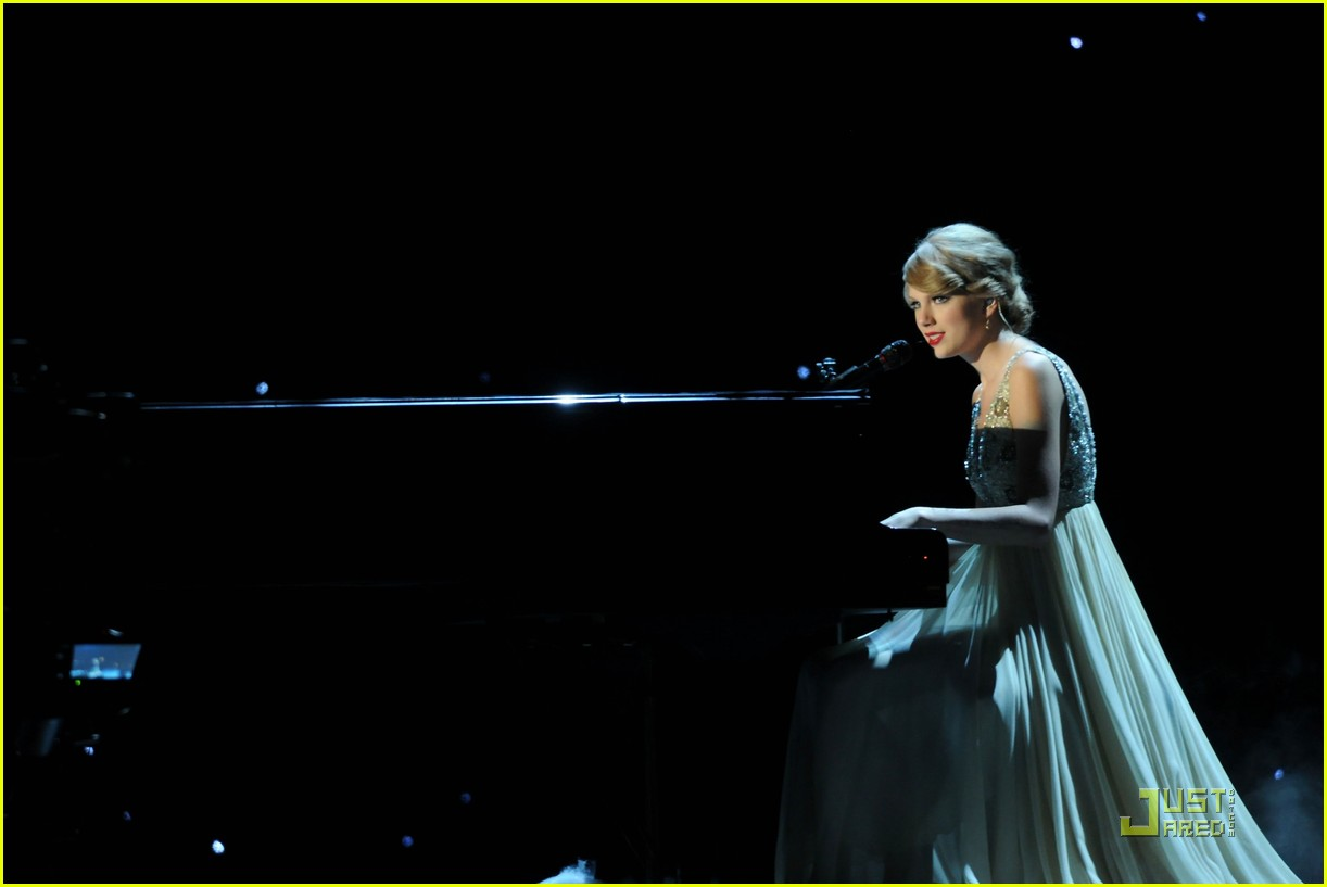 taylor swift cma bmi 18
