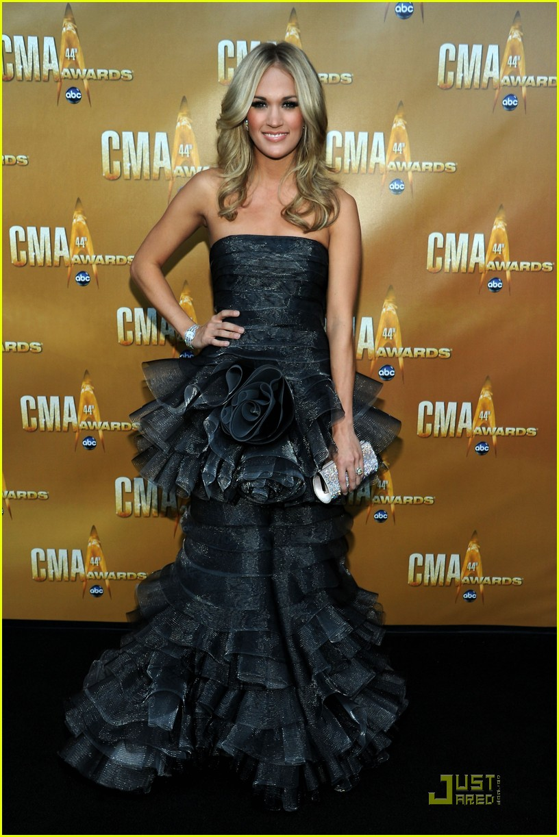 carrie underwood kellie pickler cma 02