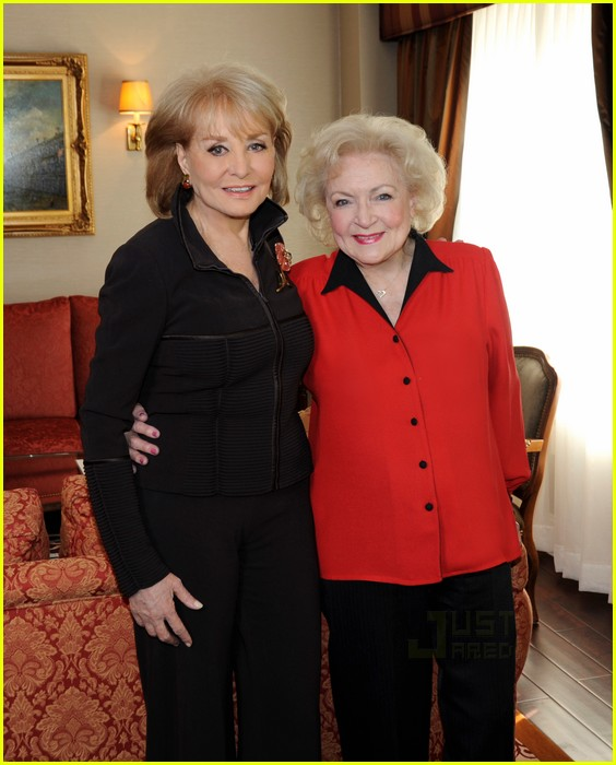 barbara walters betty white sandra bullock 01