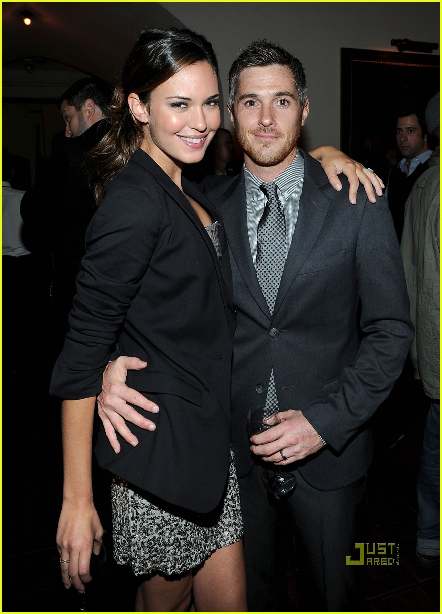 dave annable odette yustman gq men of the year 05