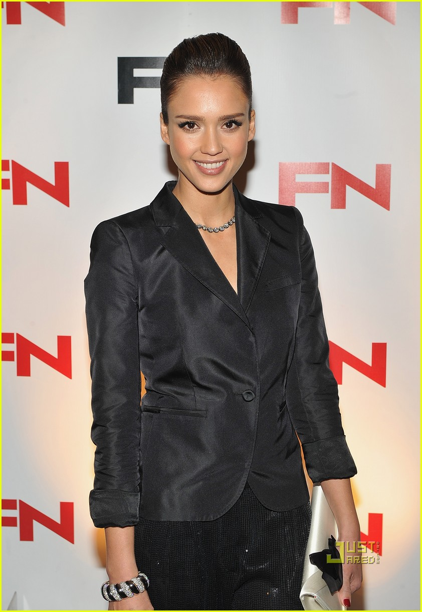 jessica alba cash warren footwear awards 01