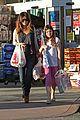 rachel bilson christmas shopping sister 03