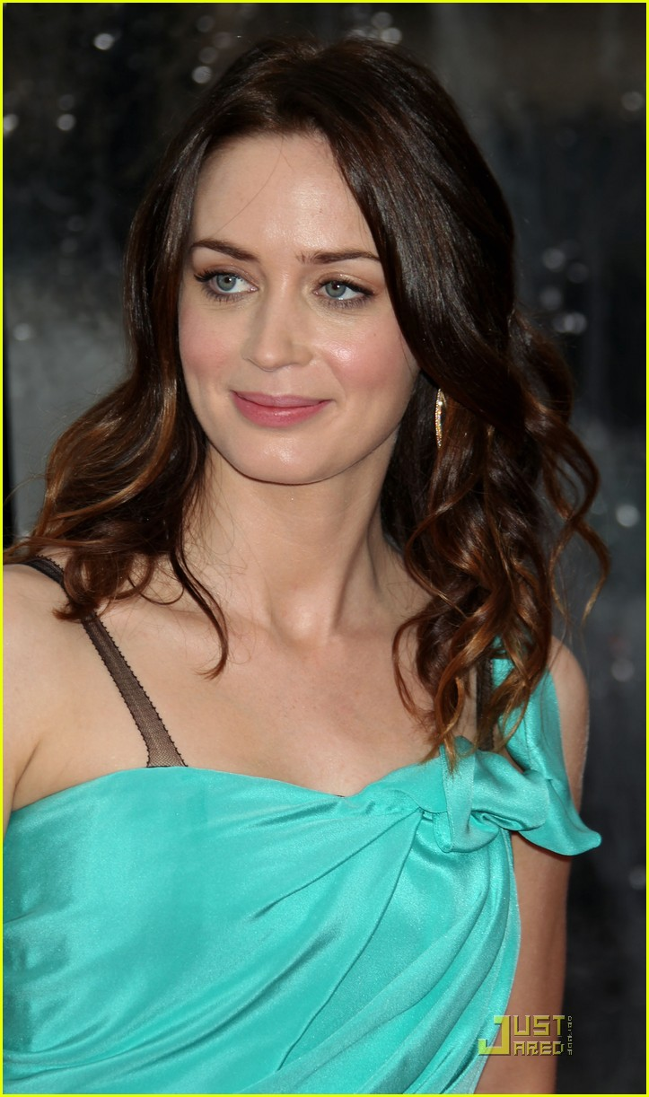 emily blunt gullivers 06