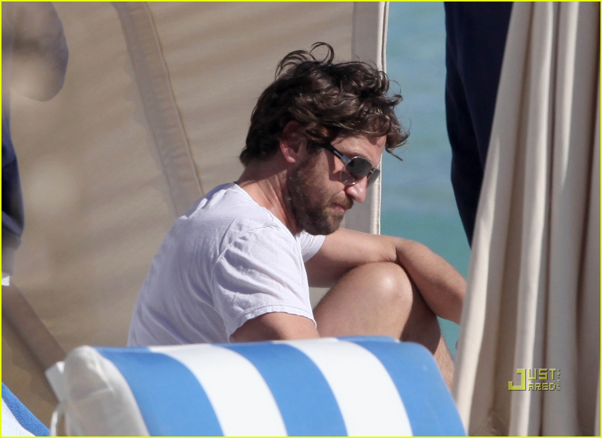 gerard butler south beach 07