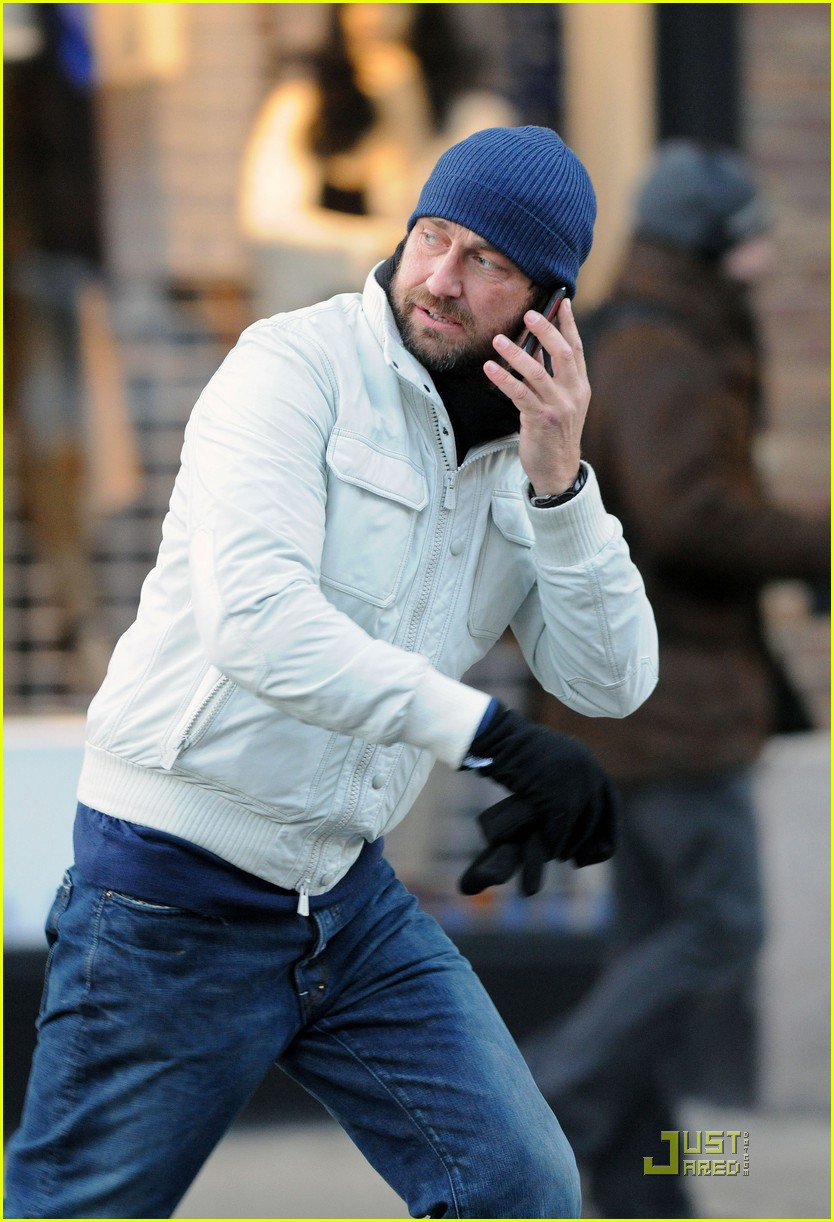 gerard butler on the run ny 012502199