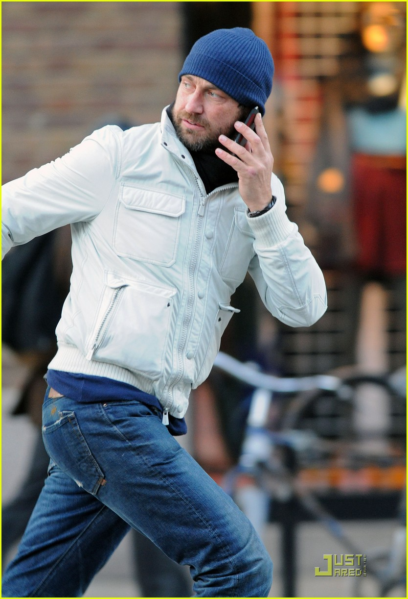 gerard butler on the run ny 06