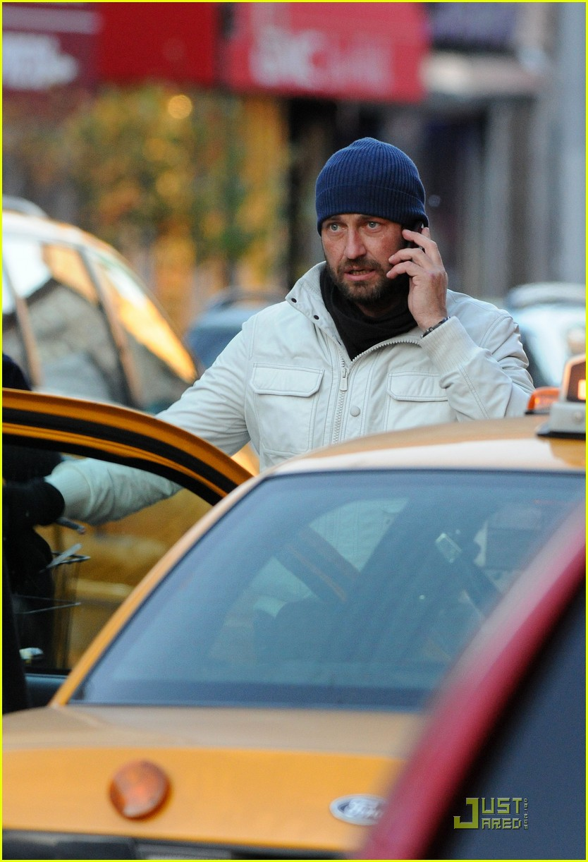 gerard butler on the run ny 072502205